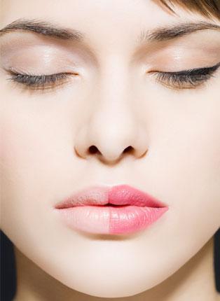 注射丰唇术 打造性感迷人气息