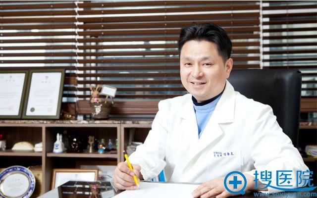 韩国BIO整形外科辛容镐院长,韩国国宝级的整形专家