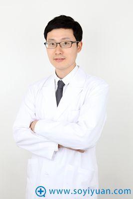 李在准 韩国FACE-LINE整形外科医生