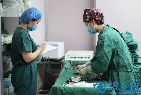 新疆华美王超杰主任手术前准备