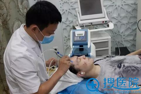 重庆当代祛痘治疗第一步:无针水光