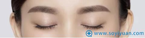 漂亮的眉型为颜值加分