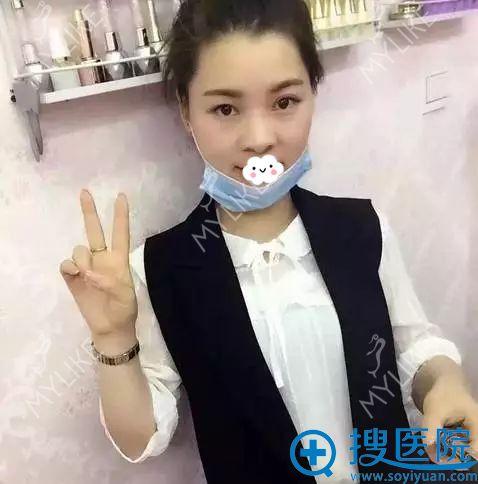 四川重庆美莱医学美容医院假体隆鼻术前的我