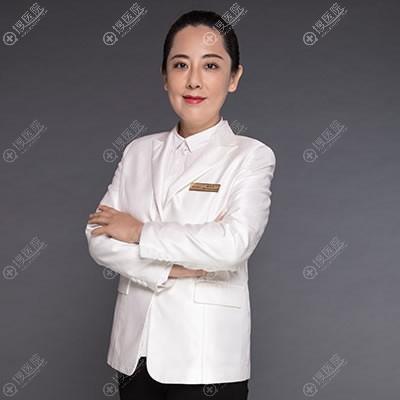 北京艺星美胸专家翟红宇医生