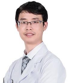 三亚维多利亚隆鼻专家刘浩