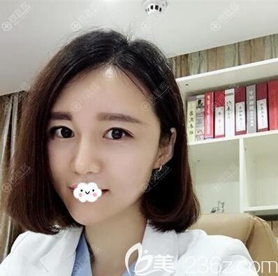 深圳福华杨万忠综合隆鼻丰下巴案例效果