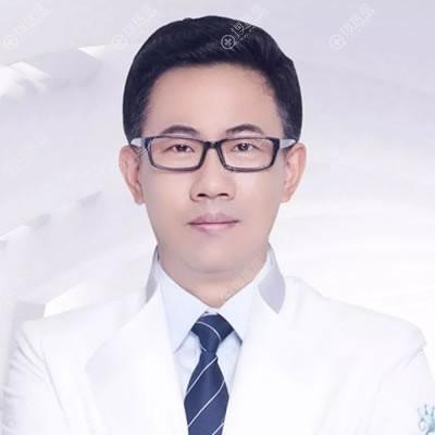 扬州施尔美隆胸专家吕启凤