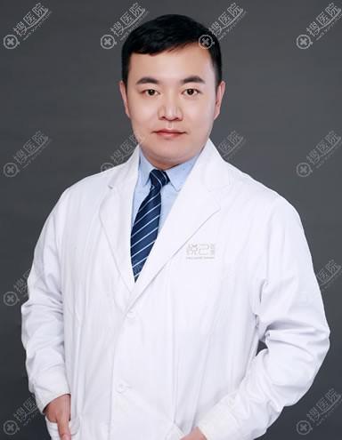 西安新鹏爱悦己整形刘晨医生