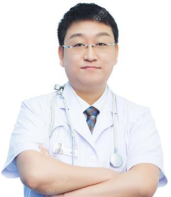深圳江南阳光整形外科院长李钢