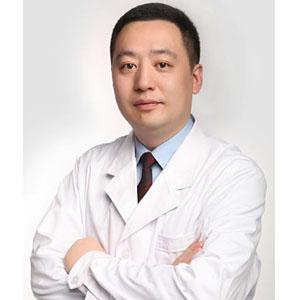 八大处隆鼻整形医生李战强 副教授