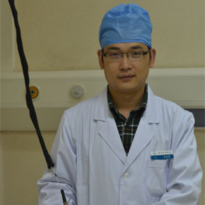 八大处激光美容医生冯永强 主治医师