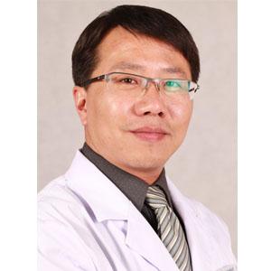 八大处双眼皮整形医生杨晓楠 主治医师