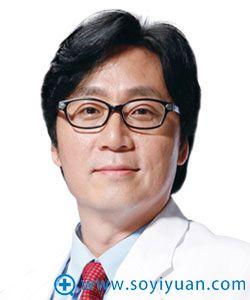 重庆华美整形韩国医生金宪俊