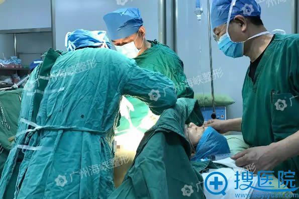 胸部奥美定取出修复手术过程