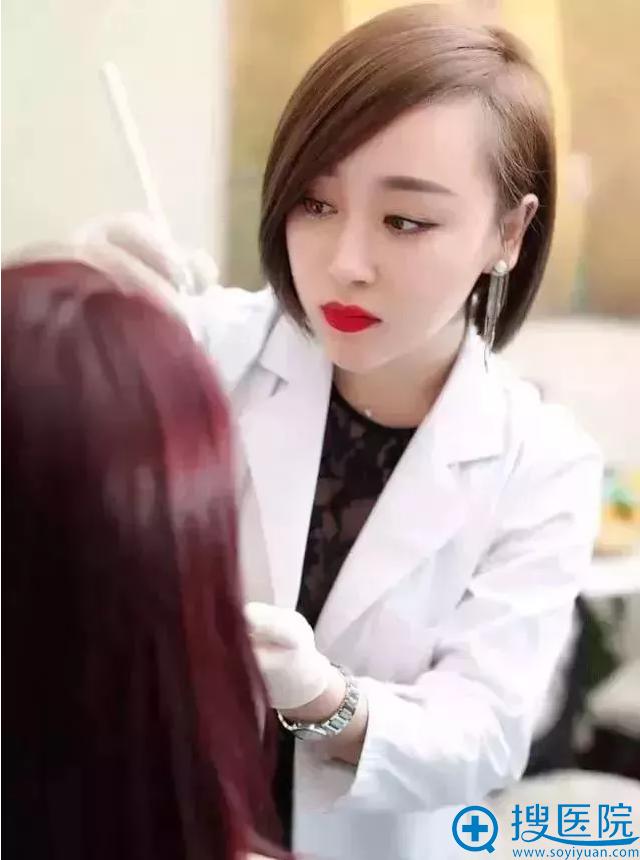 绣眉大师陈莉亲诊天津美莱