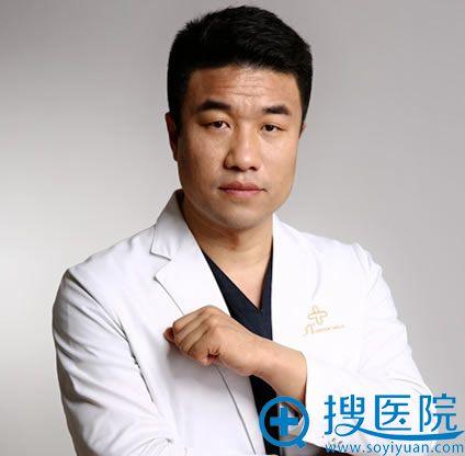 北京艺美王东自体脂肪隆胸好不好