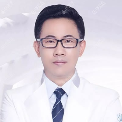 扬州施尔美隆胸医生吕启凤