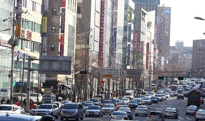 韩国整容一条街街景